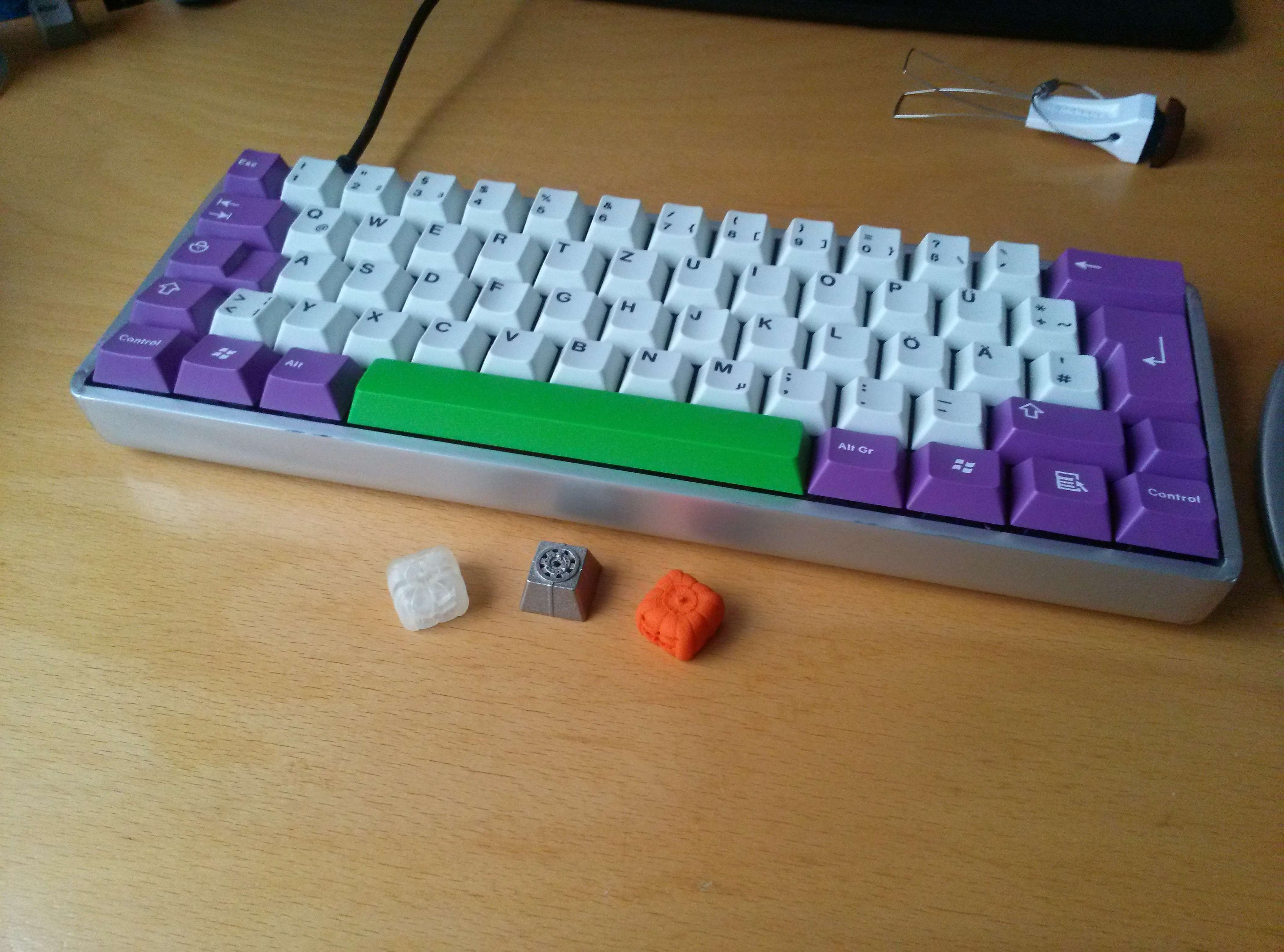 FaceU with Matt3os Keycaps.jpg