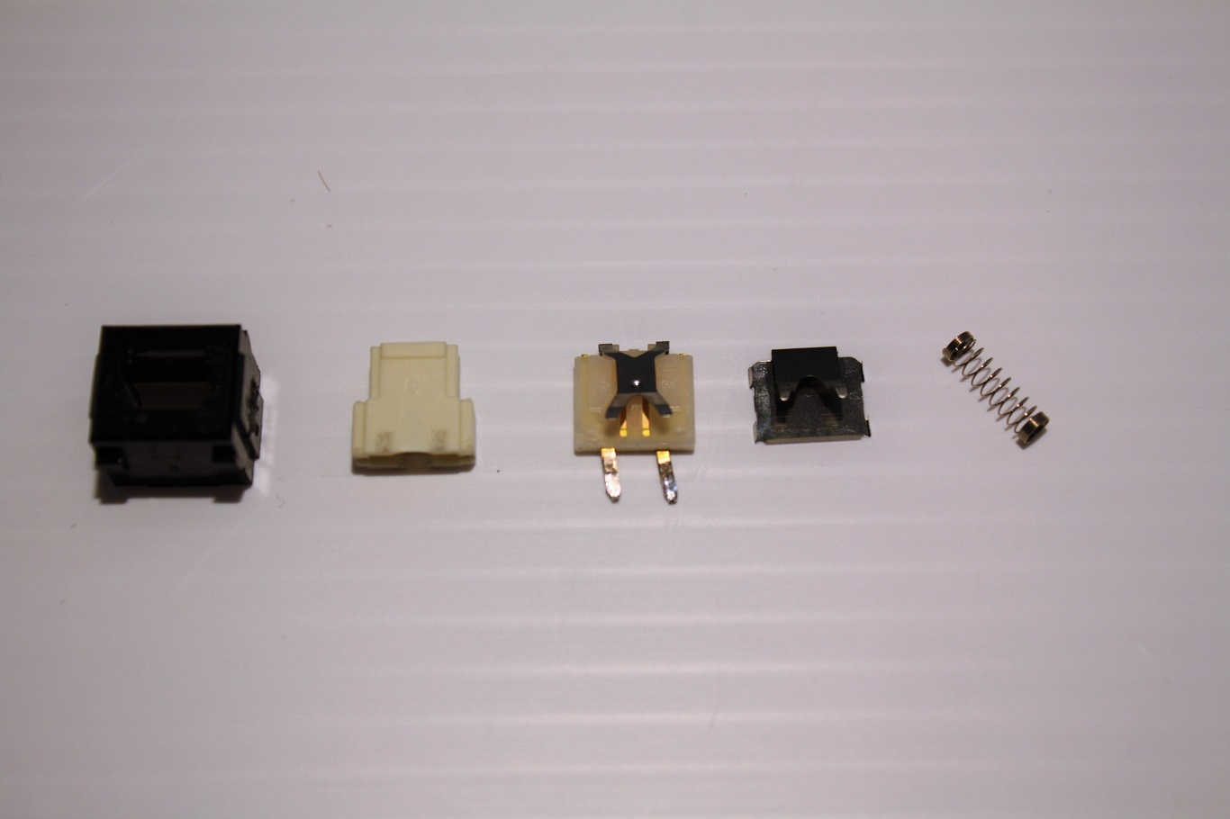 NeXT Non-ADB - AAE Alps key switch parts side A.JPG