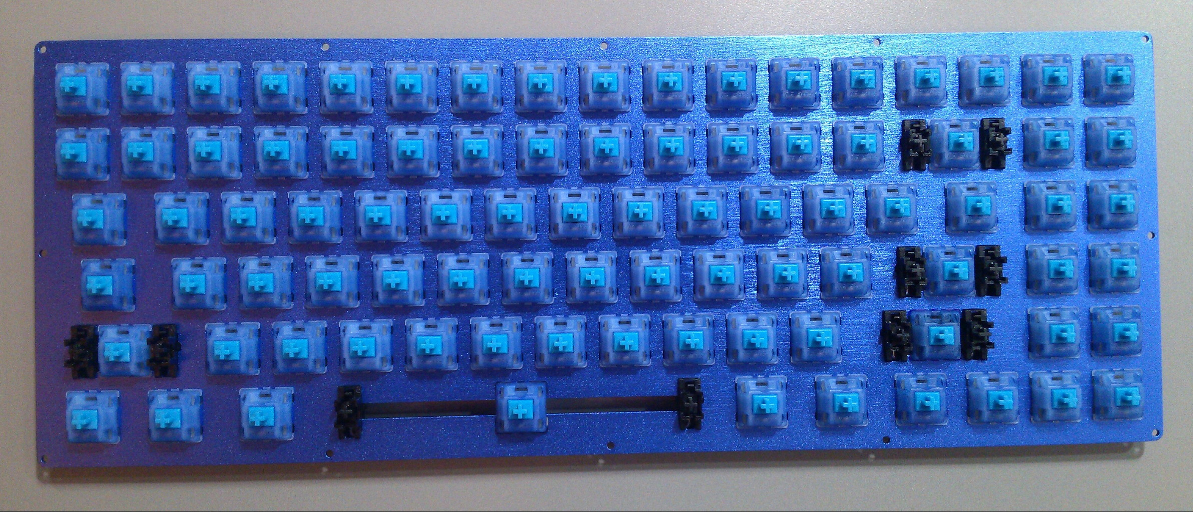 Keyboard75_AllSwitches.jpg