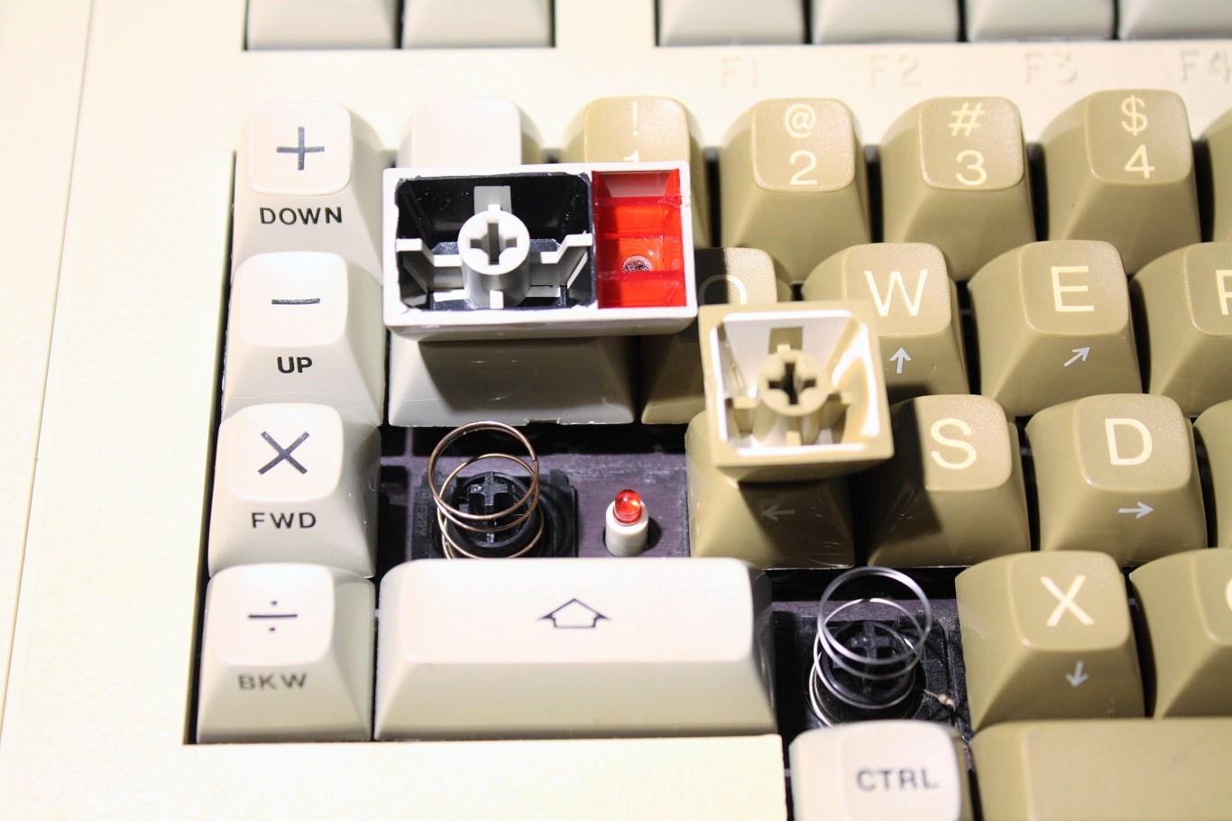 Cherry Terminal Keyboard - key caps.jpg