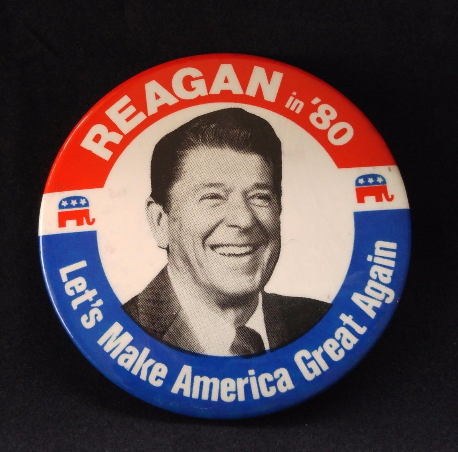 rare-facing-right-reagan-in-80-let-s-make-america-great-again-3-5-button-ddce082219fe0c5577dcc1990bc22898.jpg