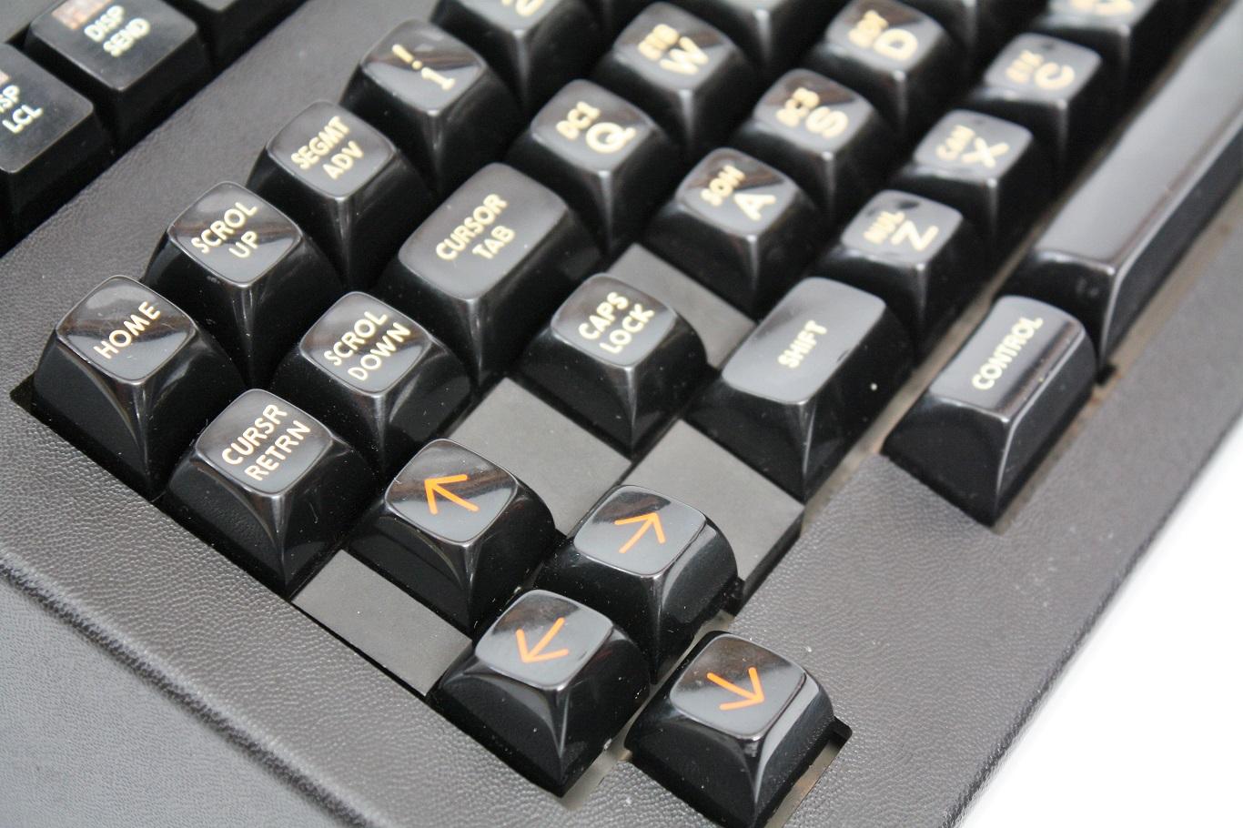 Teletype 40K 103 RCB - keycap close up.JPG