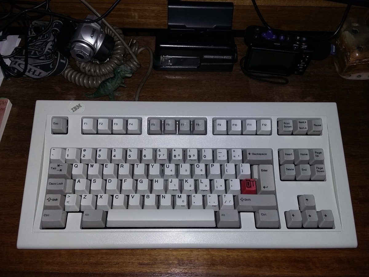 Ibm Model M SSK, converted to ISO, with wokechill's DT keycap.