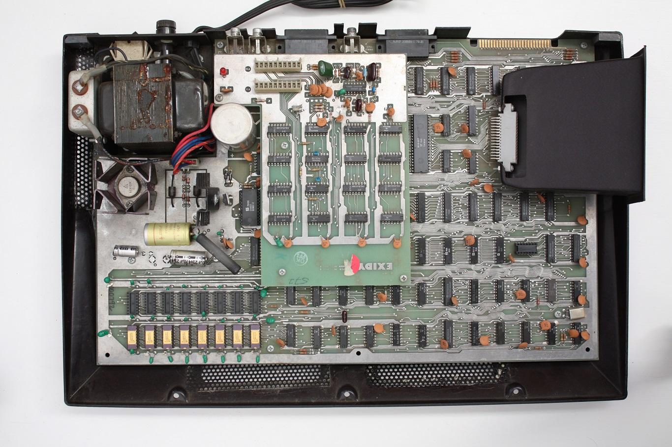 Exidy Sorcerer - computer internals.JPG
