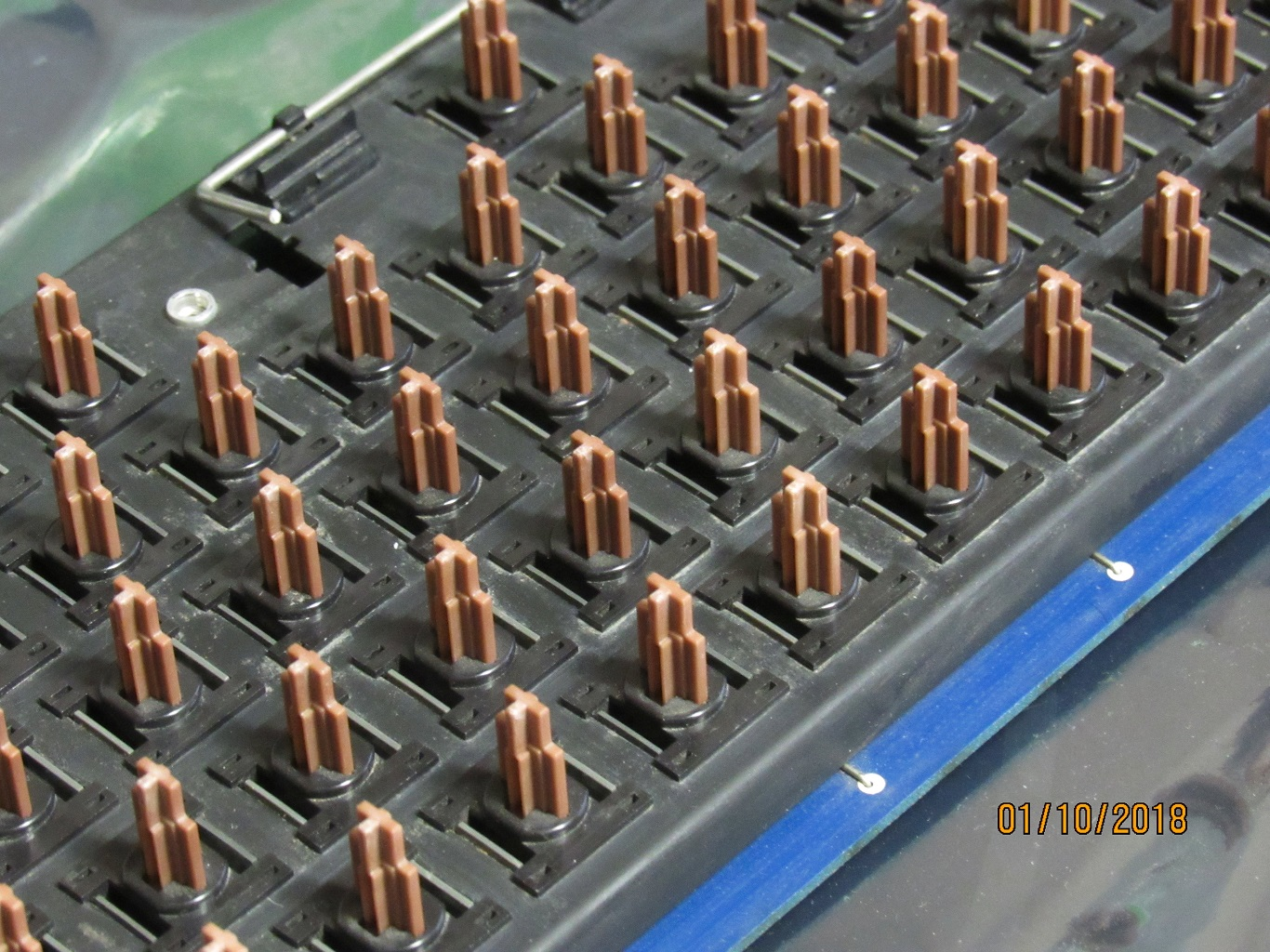 Apple IIe Pre-production - key switches 1.jpg
