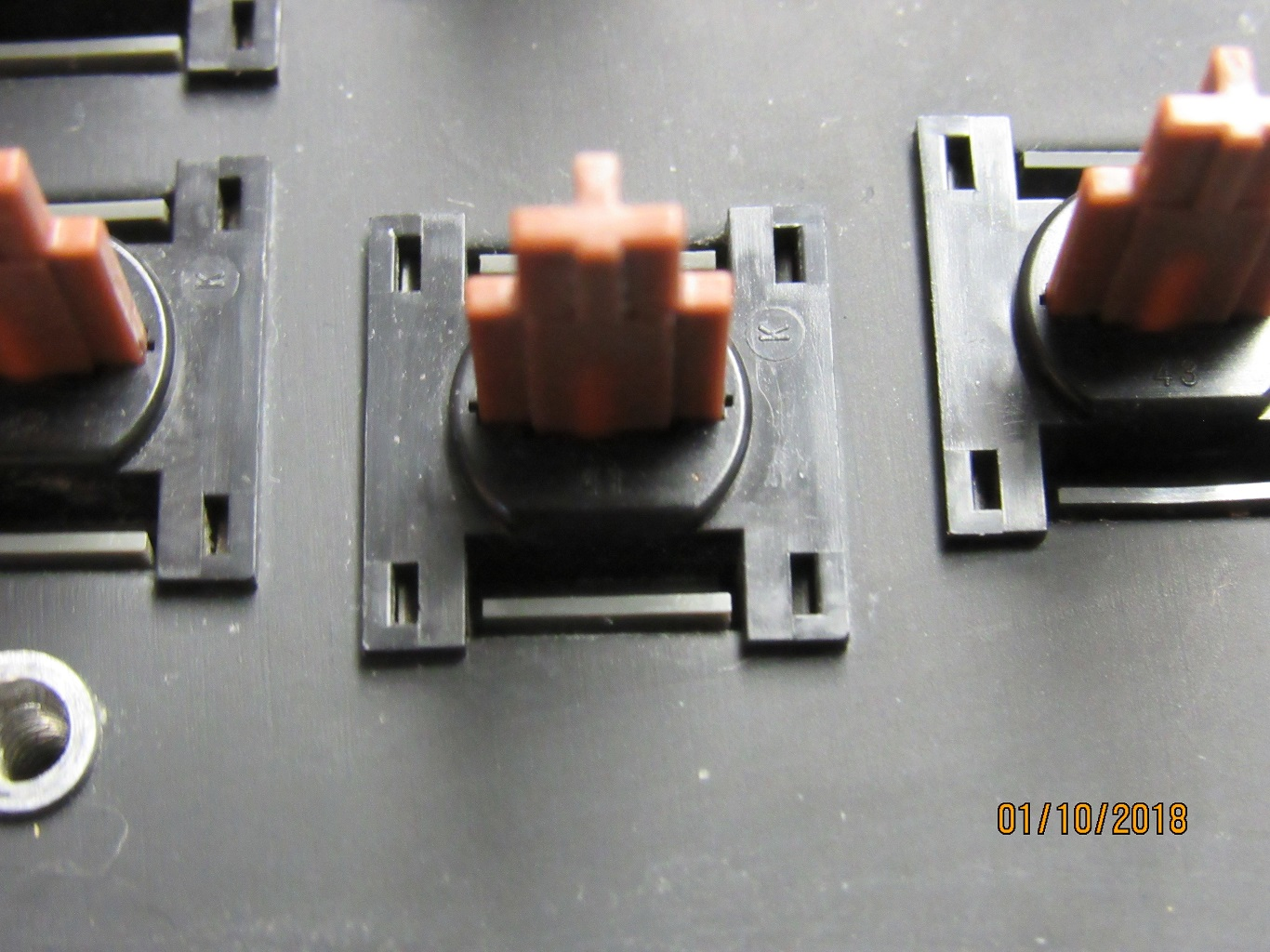 Apple IIe Pre-production - key switches 3.jpg