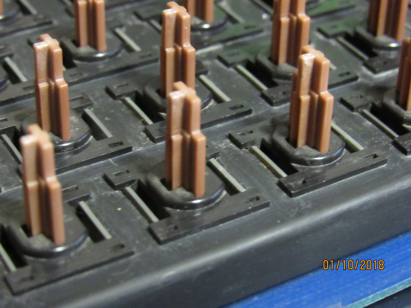 Apple IIe Pre-production - key switches 6.jpg