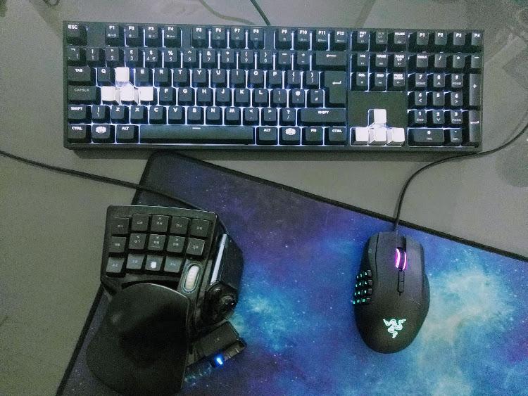 Desk IO.jpg