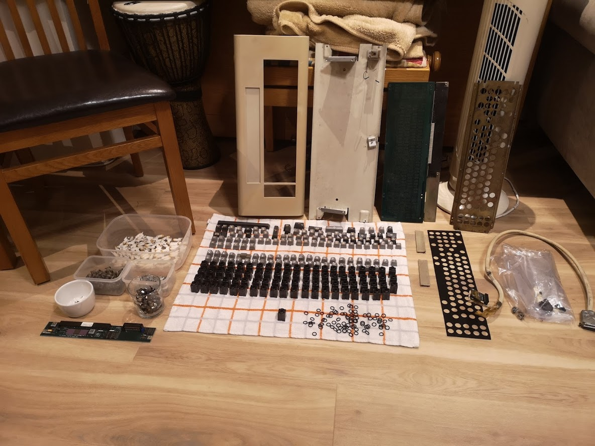 whole keyboard disassembled clean with o rings.jpg