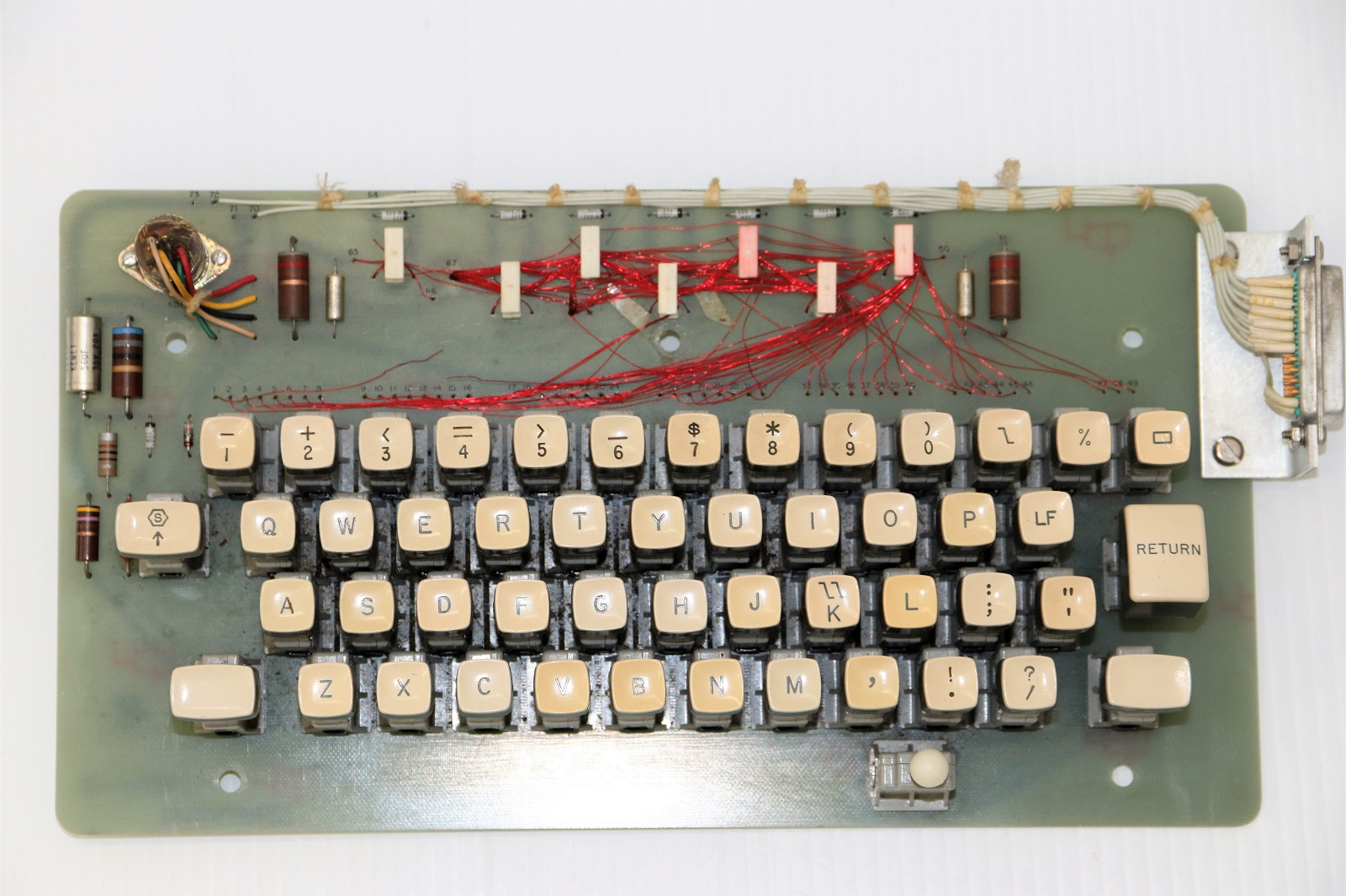 Univac keyboard - Keyboard mechanism top.JPG